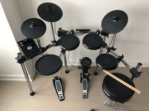 Alesis Forge Electric Drum Set - Excellent Condition for Sale in PECK SLIP, NY
