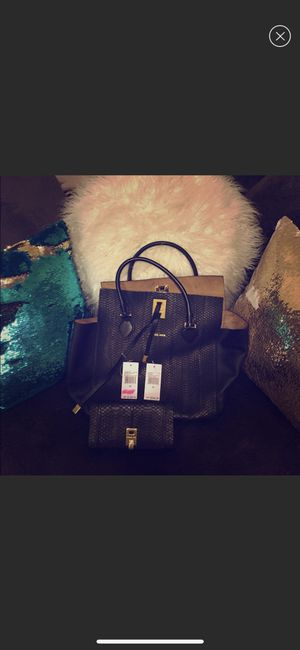 Authentic Michael Kors collection Miranda tote and matching wallet for Sale in Pittsburgh, PA