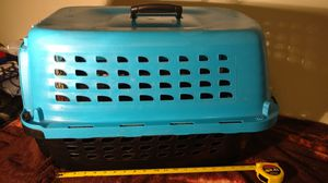 Petmate medium size black and blue dog crate kennel for Sale in Columbus, OH