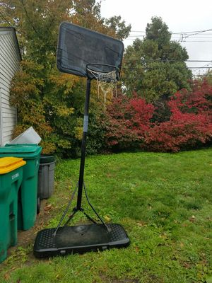 kids portable basketball hoop for Sale in Cleveland, OH