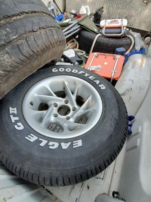 2-5 Lug Chevy Rims for Sale in Decatur, TX