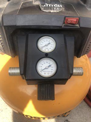Bostitch 6 gallon compressor for Sale in Los Angeles, CA
