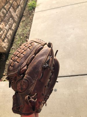 Nokona baseball/softball glove for Sale in Ceres, CA