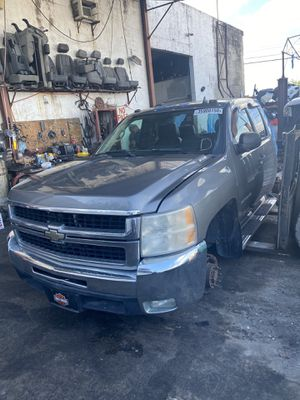 2009 Chevy Silverado 2500 for PARTS for Sale in Miami, FL