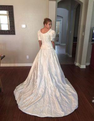 Beautiful Silk Wedding Dress for Sale in Round Rock, TX