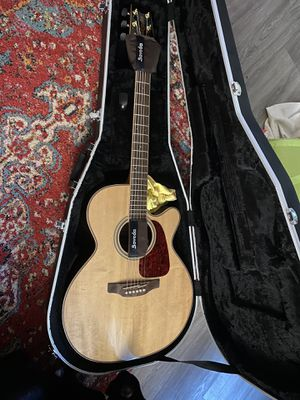 Like new Takamine Acoustic Electric Guitar for Sale in Belding, MI