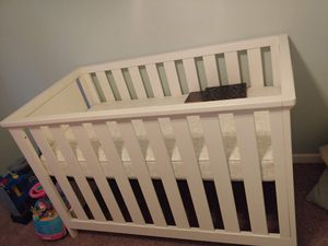 Crib with new mattress and changing table for Sale in Hickory, NC