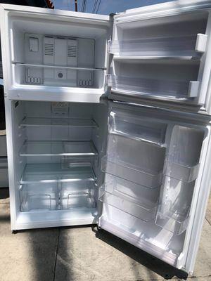 Frigidaire Top Freezer Refrigerator for Sale in El Segundo, CA