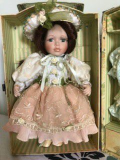 Old Blush Antique Elizabeth Porcelain doll, mint condition, with box for Sale in Brentwood, NC