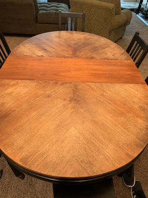 Dining room table with 3 leaves for Sale in Redington Shores, FL