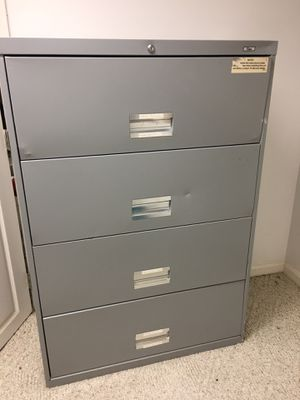 Silver 4 Drawer Metal Filing Cabinet for Sale in Brooklyn, OH