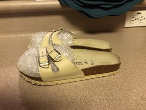PreOwned Birkenstock White Patent Leather 2 Strap Double Buckle Sandal 36 for Sale in Waipahu, HI