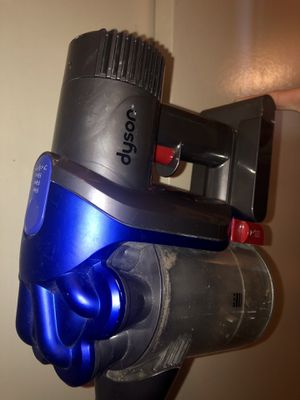 Dyson Bagless Cordless 2-in-1 Handheld / Stick Vacuum for Sale in Ramona, CA