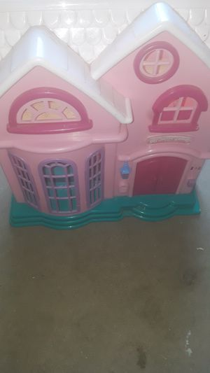 Girls barbie house for Sale in Modesto, CA