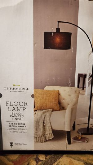 THRESHOLD QUALITY & DESIGN FLOOR LAMP BRAND NEW IN THE BOX for Sale in Beaumont, CA