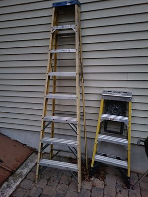 8' werner fiberglass ladder for Sale in Barnegat, NJ