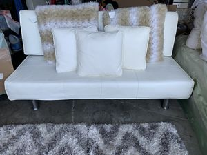 White futon -Pillows not included for Sale in Tracy, CA