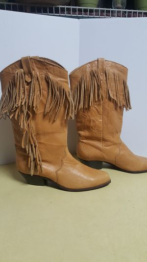 DINGO Western Leather Fringe Women's Tan Boots - Size 7.5 M for Sale in Boulder, CO