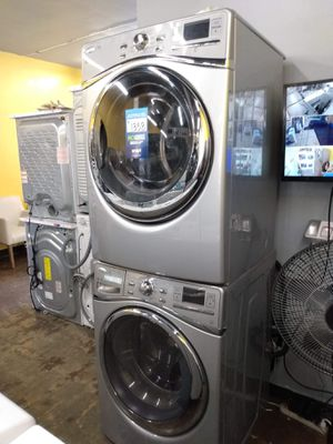 Gray Front Load Whirlpool Set for Sale in Bell Gardens, CA