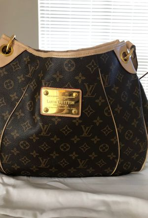 Louis Vuitton bag valued at $1200 I'm selling for 700 in good condition and worth every penny then I spent for it for Sale in Euless, TX