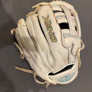 Louisville Slugger Zeno Softball Glove for Sale in South Pasadena, CA