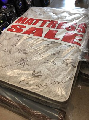 queen mattrss with boxspring for Sale in Los Angeles, CA