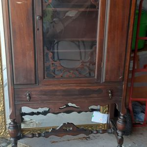 GORGEOUS ANTIQUE CHINA CABINET for Sale in Palm Harbor, FL