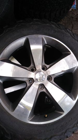 20in jeep wheel 5x5 bolt pattern only 1 for Sale in Chicago, IL