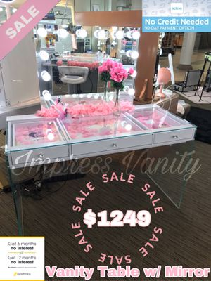 Impressions Vanity Table with Mirror for Sale in Tulare, CA