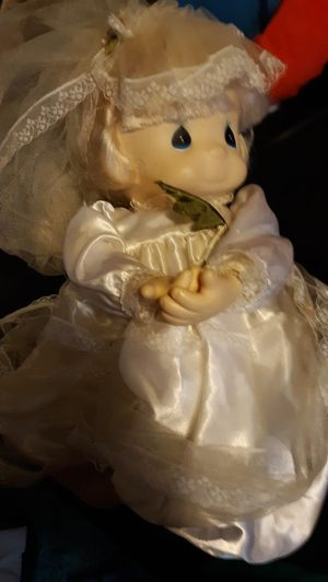 Precious Moments 1985 wedding doll for Sale in Phoenix, AZ
