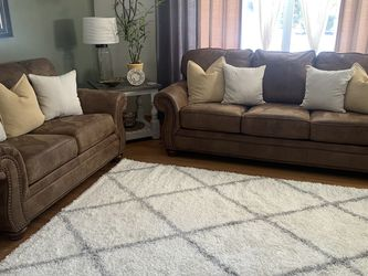 Sofa & Loveseat for Sale in Eastlake,  OH