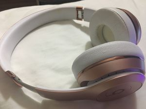 Beats solo headphones (rose gold) for Sale in Washington, DC