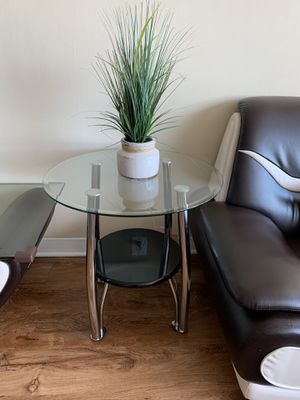 2 side tables for Sale in Alexandria, VA