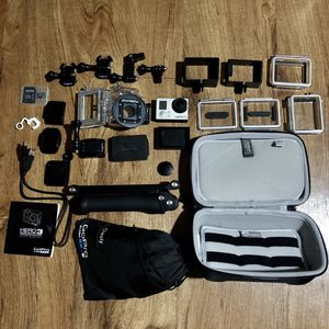 GOPRO HERO3 CAMERA BLACK EDITION w/ LCD & 15+ ACCESSORIES for Sale in West Los Angeles, CA