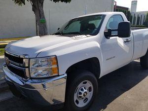 Chevy Silverado 2500HD for Sale in Hacienda Heights, CA