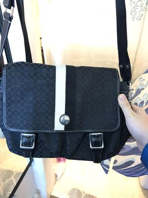 Coach messenger bag for Sale in New Haven, CT