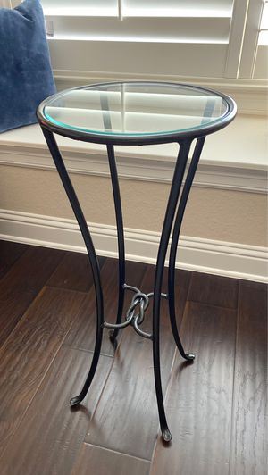 "Tall small round console table 28"" for Sale in Austin, TX"