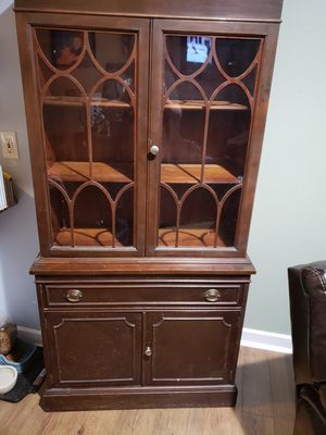 Beautiful Antique China Cabinet for Sale in Hilliard, OH