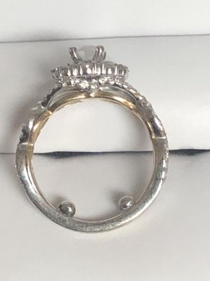 Wedding / Engagement ring. (Helzberg with lifetime warranty) for Sale in Riverside, CA
