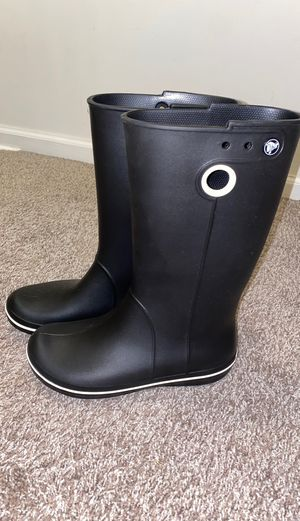 Crocs rain boots size 7.5 for Sale in Delaware, OH