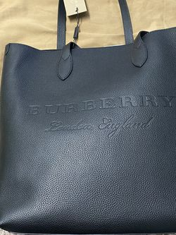 Burberry tote bag BRAND NEW! Half Price Was $2196 for Sale in Beverly Hills,  CA