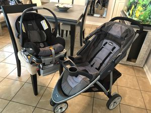 Chicco Car seat and stroller set for Sale in North Chesterfield, VA
