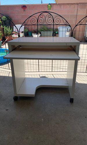 Kid desk for Sale in Norwalk, CA