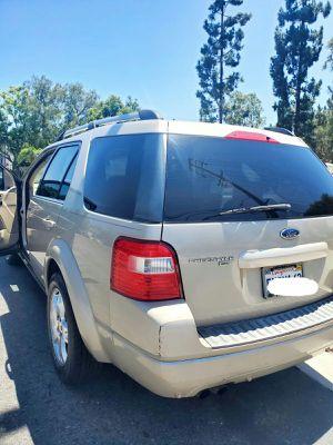Ford freestyle limited 2005 titulo limpio en mano placas al corriente smog recien hecho sunroof .motor y trasmision exelente 3 {url removed} pasajeros for Sale in Tustin, CA