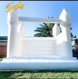 White Bouncer Jumper $300 Event  for Sale in Whittier, CA