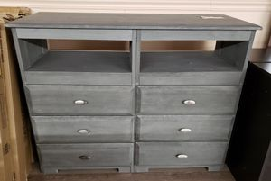 NEW Grey Weathered 6 Drawer Farmhouse Style Dresser for Sale in Burlington, NJ