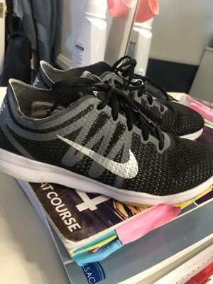Nike shoes size 6 for Sale in Montebello, CA