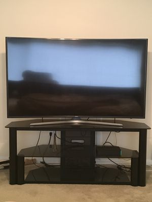 """Samsung 65"""" curved 4k ultra hd smart tv with glass stand for Sale in Fort Washington, MD"""