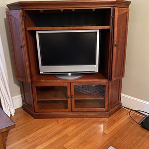 TV Entertainment Center With Storage! for Sale in Everett, MA
