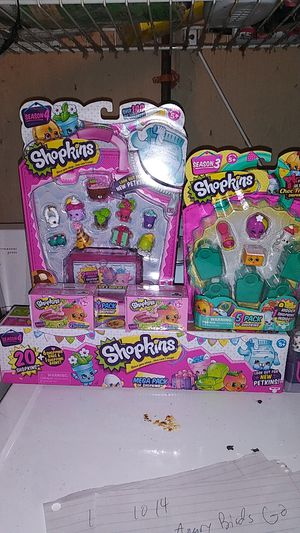 Wow 41 shopkins total in this 5pc lot for Sale in Springfield, MA
